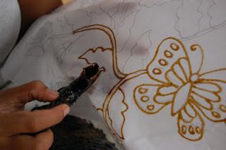proses batik memola nyorek